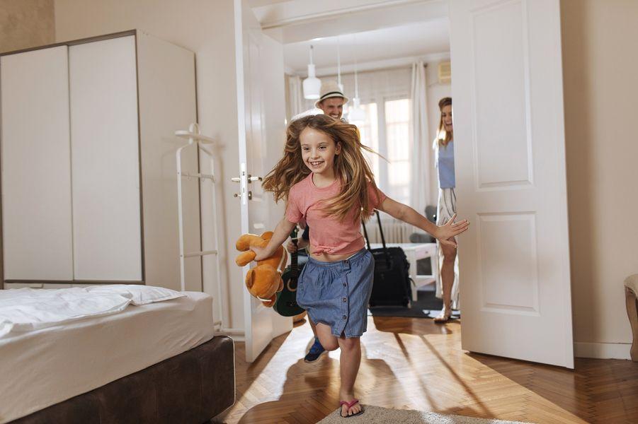 Jakim standardem wyposażenia dysponują hotelowe pokoje rodzinne?