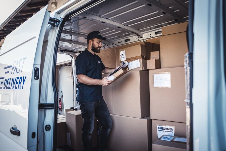 Rola i znaczenie zagranicznych przesyłek kurierskich w branży e-commerce